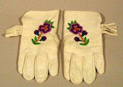 Caribou Gloves - Lena Adam