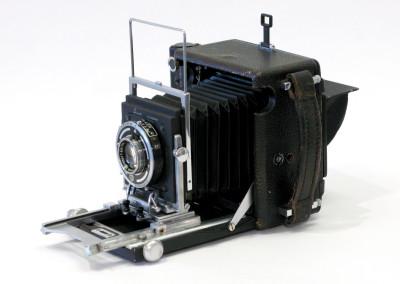 Busch Pressman (2 1/4 x 3 3/4) Model c. 1940's