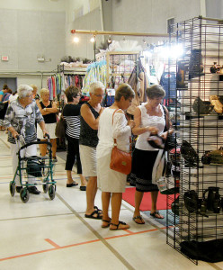 Customers at the 2012 Saskatchewan Handcraft Festival.